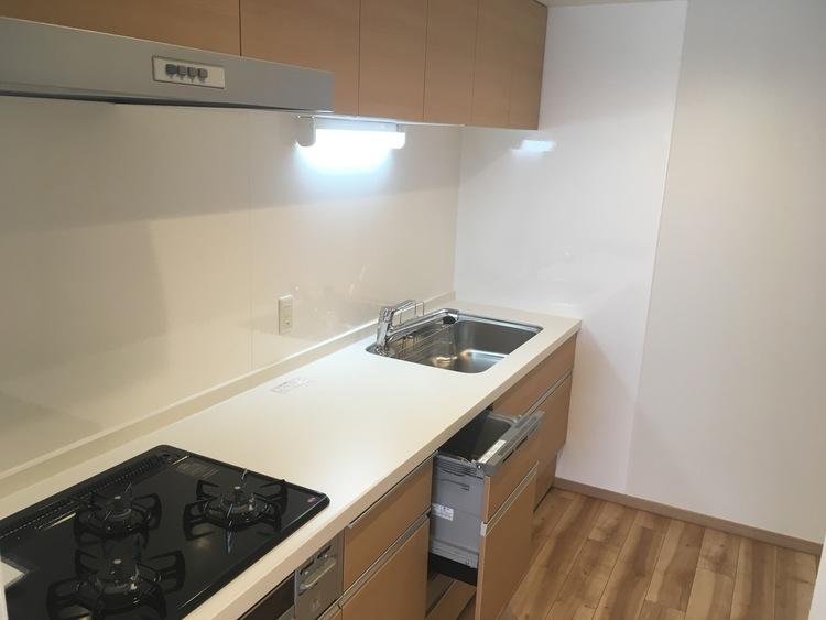 【ファミリー向け♪】新規リノベーション物件!のキッチン画像