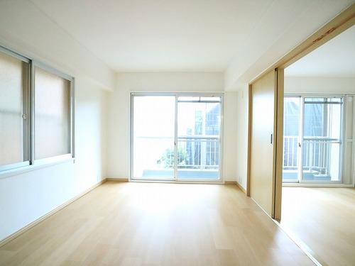 3駅利用可能♪南向き3LDKのお部屋『中銀野沢マンシオン』の画像