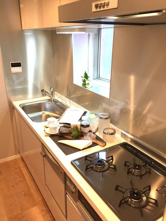 【通勤通学に便利♪】築地2丁目のホテルライクな新規リノベーションマンション!のキッチン画像