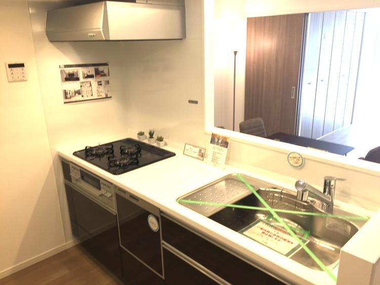 【アクセス良好♪】日本橋中洲のペットと暮らせる新規リノベーションマンションのキッチン画像