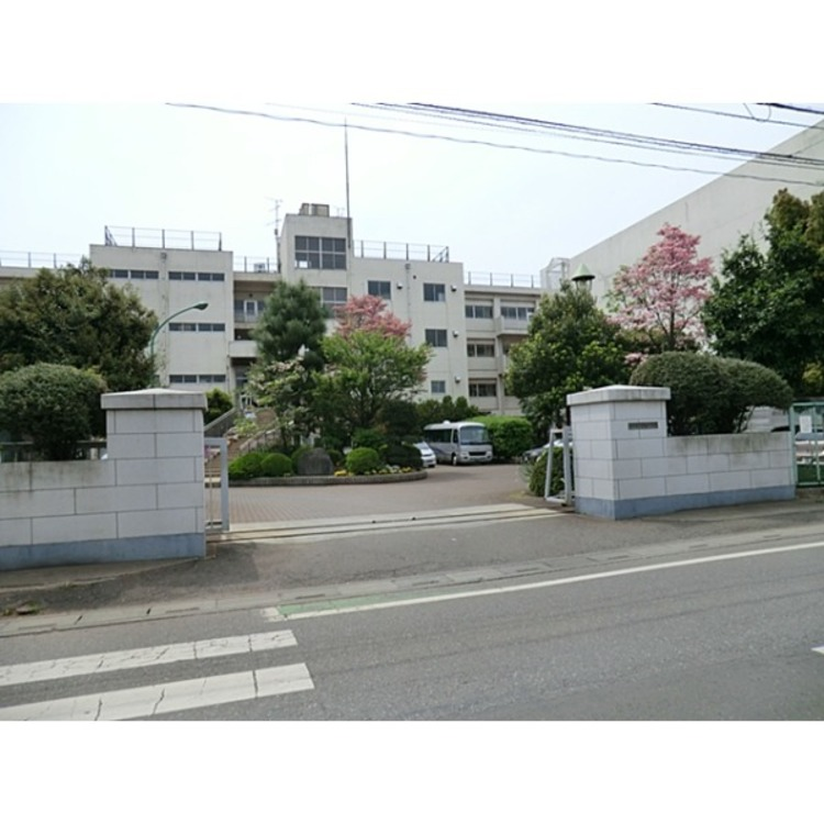所沢市立柳瀬中学校(約900m)
