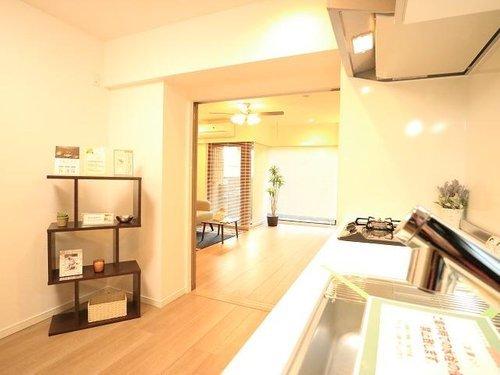 3方向角部屋~フェルテシモ祐天寺~専用庭のあるお部屋の画像