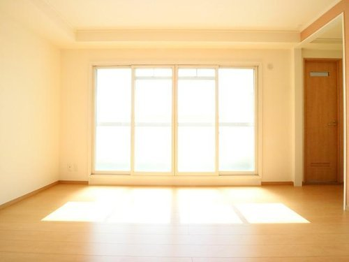 ペットOK♪7階の明るいお部屋「大島上町ローゼンハイツ」の画像