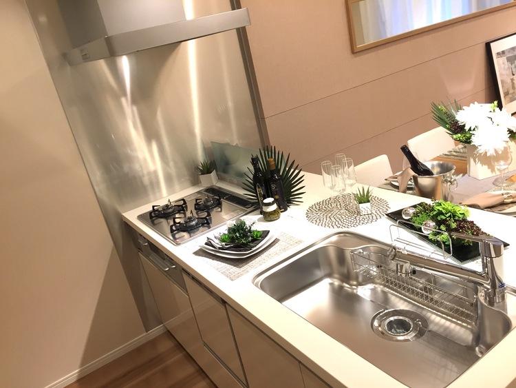 5駅6路線利用可能!ファミリー向け♪新規リノベーションマンション☆のキッチン画像