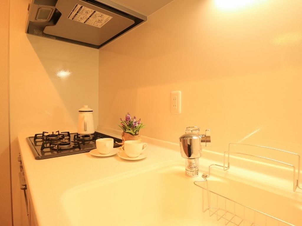 ~Kitchen~ ホワイトを基調とした清潔感のあるキッチン。使い勝手の良い設備のキッチンで効率よくお料理ができます。家族の健康はこのキッチンから♪