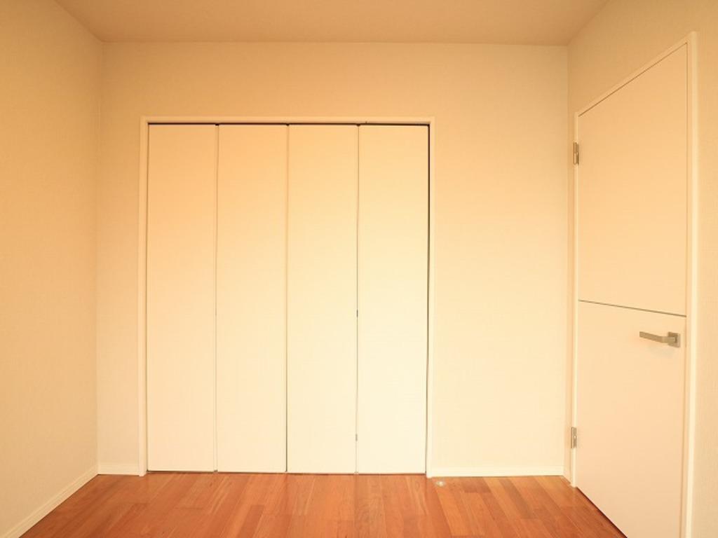 ~Room~ 家族一人ひとりの大切なプライベート空間。自分時間をゆったりと過ごす場所。趣味・感性で個性的に飾って頂けるようシンプルに仕上げてあります。