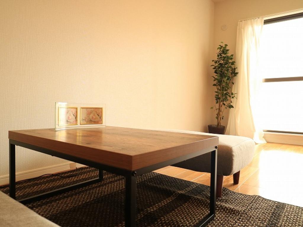 ~Living room~ 会話が弾むリビング、料理が愉しくなるキッチン、明日への活力を養うベッドルーム。家は、ただ生活する場ではなく、暮らしを愉しく、快適にする場所であるべきです。
