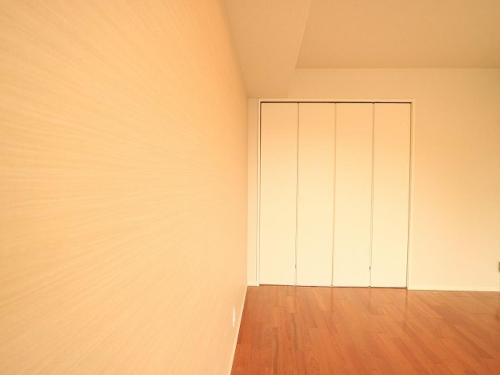 ~Room~ 各部屋クローゼット付の3LDK。お子さまも憧れの個室が持てます。ただ暮らすだけでなく、快適さを求めて毎日気持ちの良い日々を。