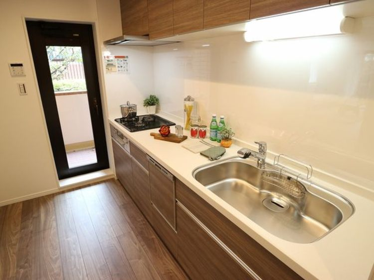 内装リフォーム済み、3LDK『ロイヤルハイツ南六郷』のキッチン画像