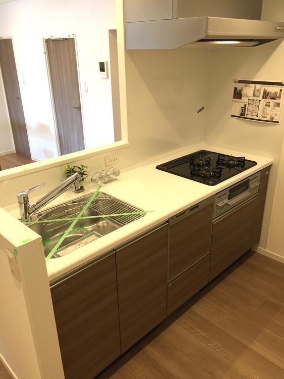 【家具付き!南向き4階!】宇喜田住宅のキッチン画像