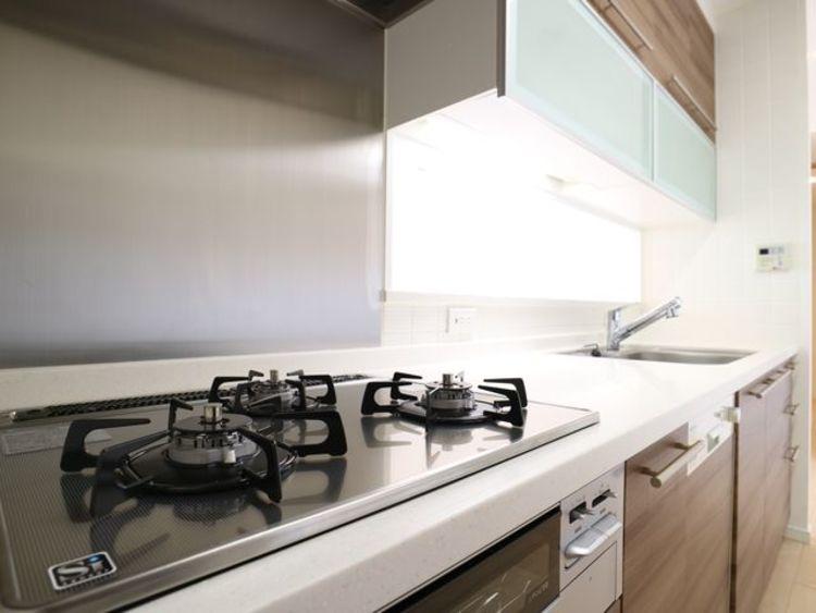 【ザ・リバープレイスサウスタワー】眺望が魅力のシンボルタワーのキッチン画像