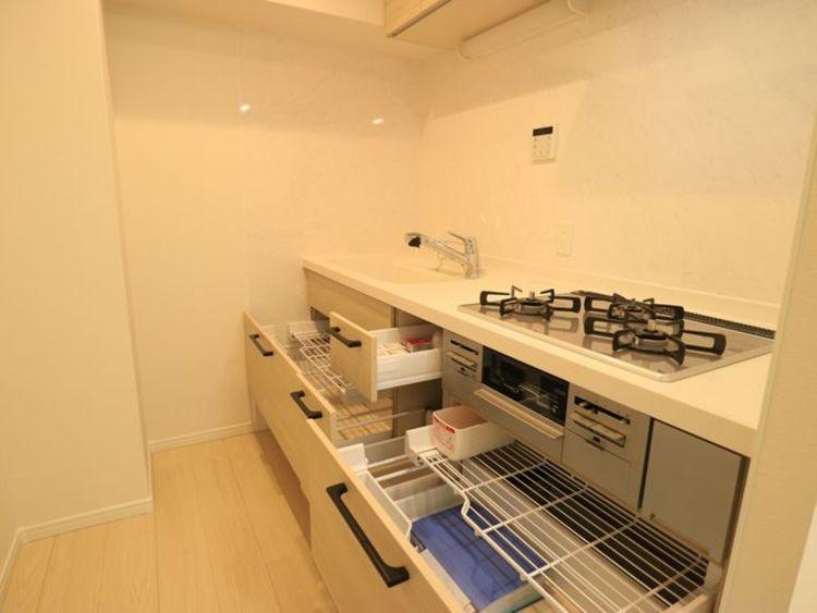 【ニューハイツ西五反田】目黒川沿い~フルリノベーション済みのキッチン画像