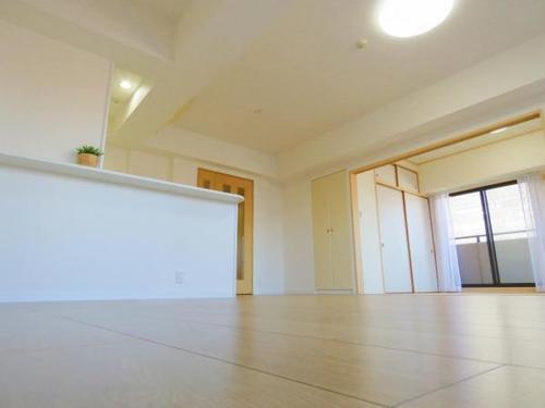 クリオ海老名六番館 徒歩5分 角部屋 3面バルコニー 宅配ボックスの画像
