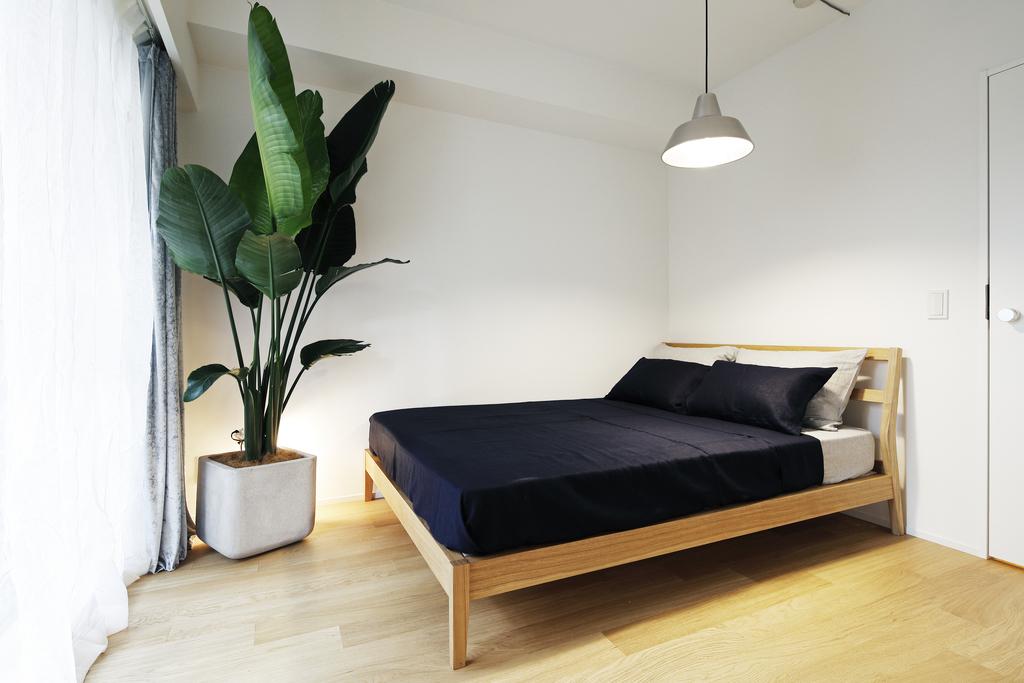 南側に位置する寝室は、光の差し込む暖かいお部屋です。
