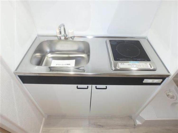 麻布狸穴ナショナルコートのキッチン画像