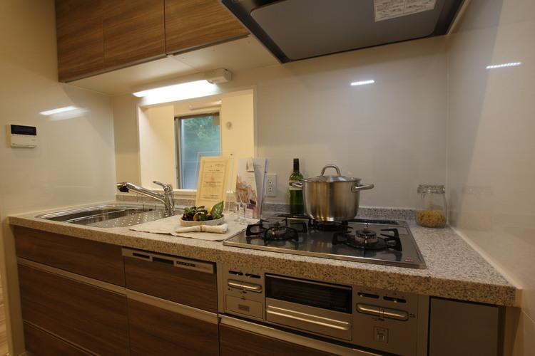 東急ドエルアルス小石川(102)のキッチン画像