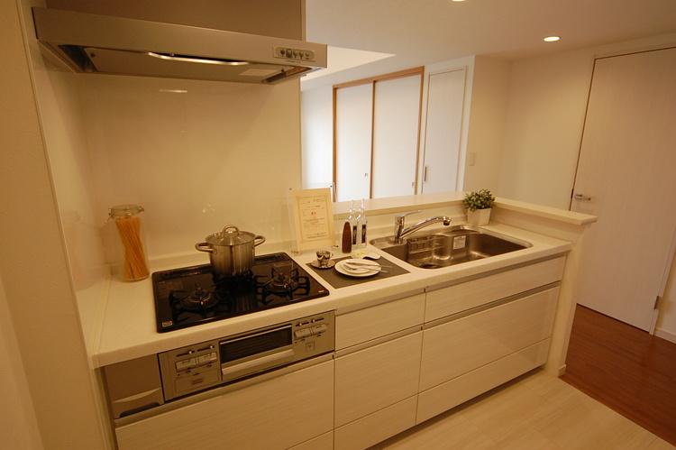 杉田パーク・ホームズ2番館のキッチン画像