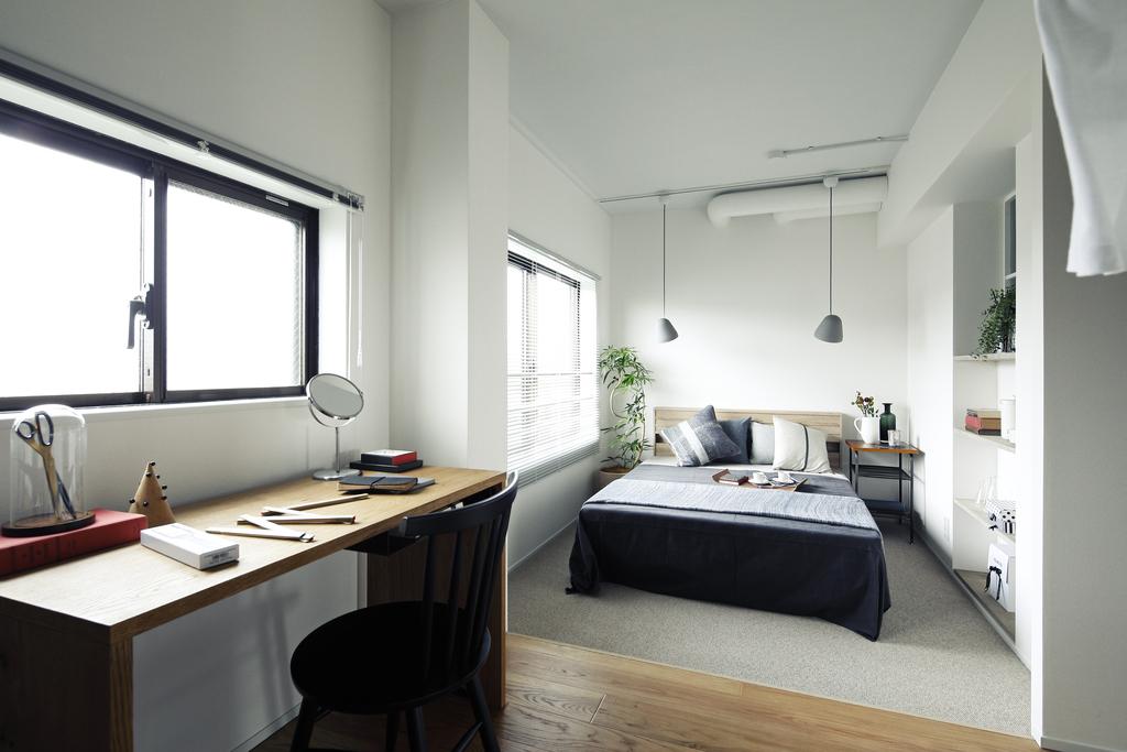 ゆったりとした広さのベッドルーム。窓からは豊かな緑が眺められます。※403号室モデルルーム写真