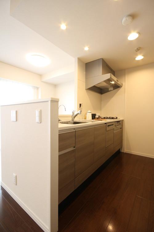 ドレッセ美しの森シルフィーノWのキッチン画像