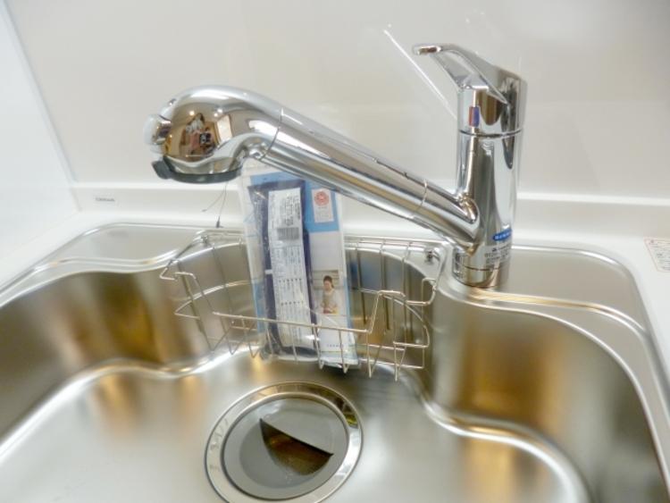 浄水器が水栓に内蔵されています。