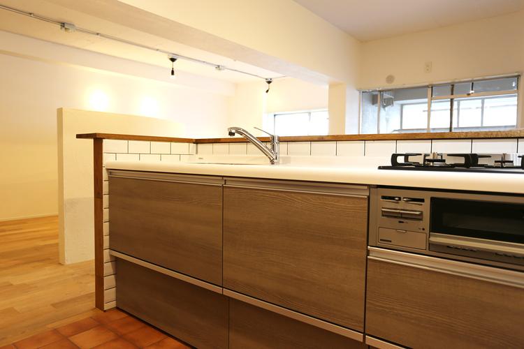 大森駅前住宅(1号棟 727号室)のキッチン画像